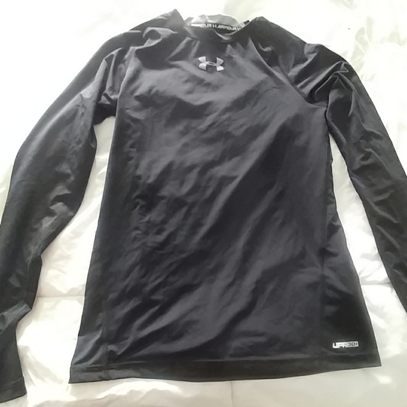 Under Armour Other - Boys UA base layer